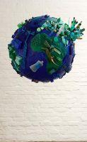 41_Spuren_der_Konsumgesellschaft_Unsere_Welt_2008_Beatrix_Rey_Durchmesser_ca._75_cm